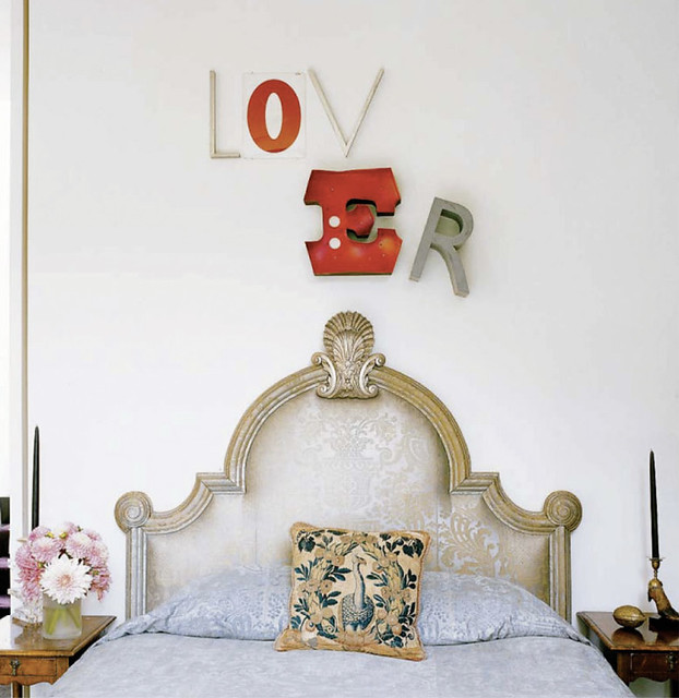 Feng Shui Love Cues : What The Art In Your Bedroom Says ...