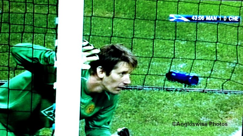 Van der Sar ready for action