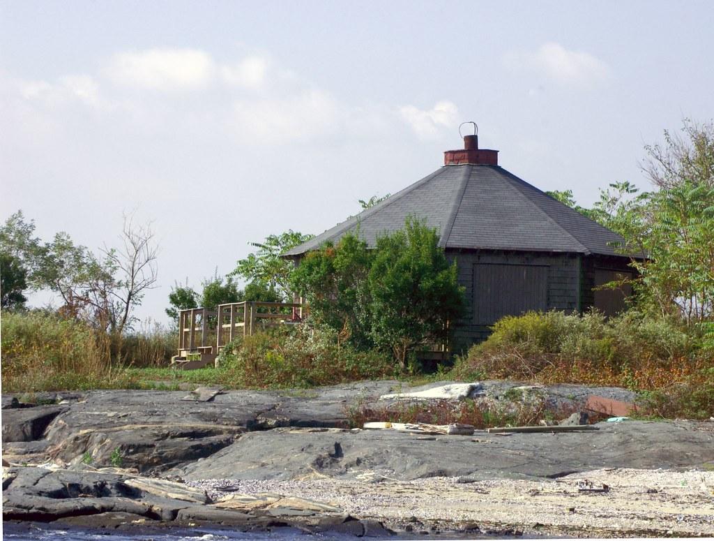 Huckleberry Island New Rochelle