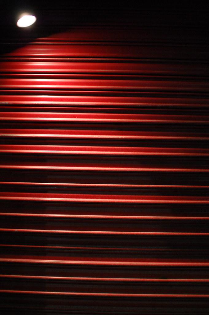 赤いシャッター