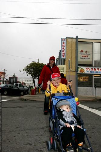 maniac stroller driver on irving street    MG 8285