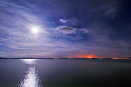 longexposure blue light red sky moon lake water night clouds reflections skyscape landscape switzerland nikon waves view shot wideangle shore lamps 12mm neuchâtel d300 serrières platinumphoto photofaceoffwinner pfogold lankescape peregrino27newvision