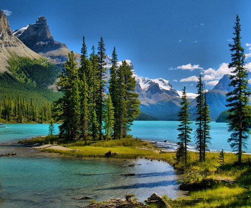 Maligne Lake Wonder