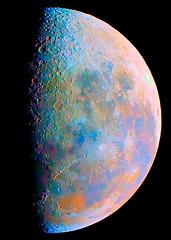 Luna menguante a color