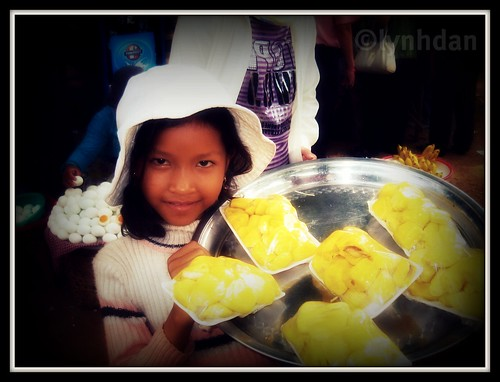 Child selling Jackfruit