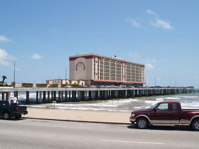 galveston island hotel: