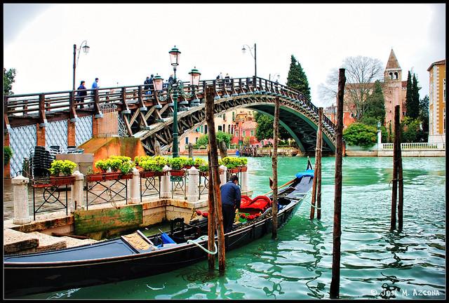Venecia (Italia). Puente de la Academia.