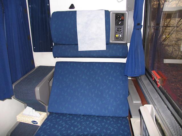 superliner roomette 3 flickr photo sharing. Black Bedroom Furniture Sets. Home Design Ideas