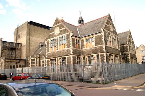 Swindon Railway Village, Mechanics' Institute