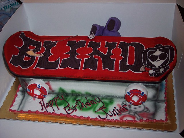 Skateboard Cake http://www.flickr.com/photos/23145306@N08/2261837456/