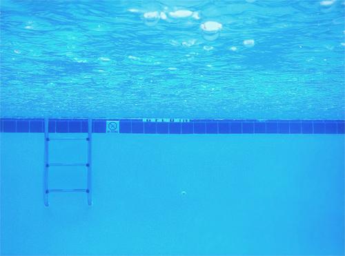 Ramada Inn Swimming Pool  2077