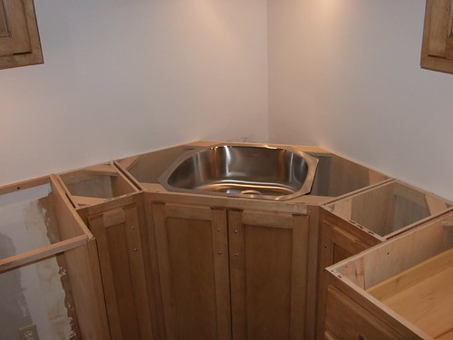 corner sink and pull out trash