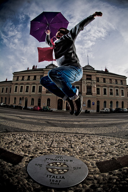 jumping the border between Italy & Slo