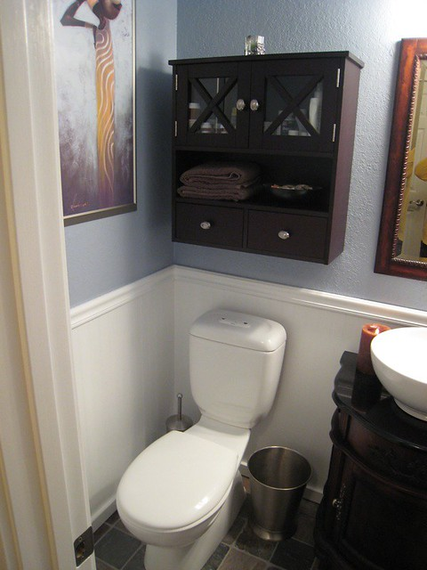 BATHROOMS - BEADBOARD COTTAGE BATHROOM WHITE BEADBOARD BATHROOM