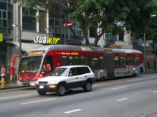 Metro Rapid bus, Wilshire Blvd., Los Angeles