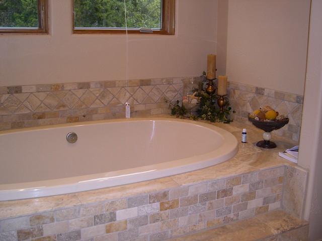 Modular home garden tub modular home for Garden tub vs standard tub