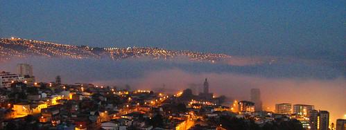 La niebla entra a Valparaíso