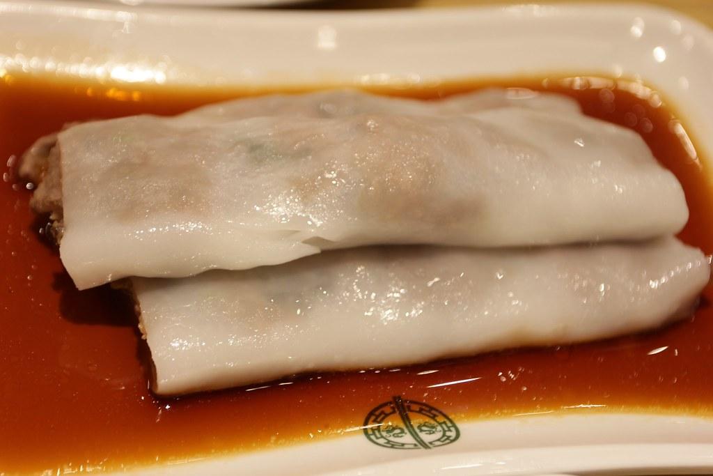 黃沙豬潤腸,不切開根本不知道裡頭包什麼,腸粉長得都很像XD