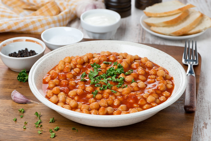 chickpeas in tomato sauce