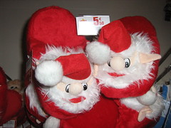 teddy bear(0.0), valentine's day(0.0), textile(1.0), red(1.0), santa claus(1.0), plush(1.0), stuffed toy(1.0), christmas(1.0), toy(1.0),