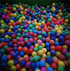 play(0.0), ball pit(1.0), food(1.0), toy(1.0),