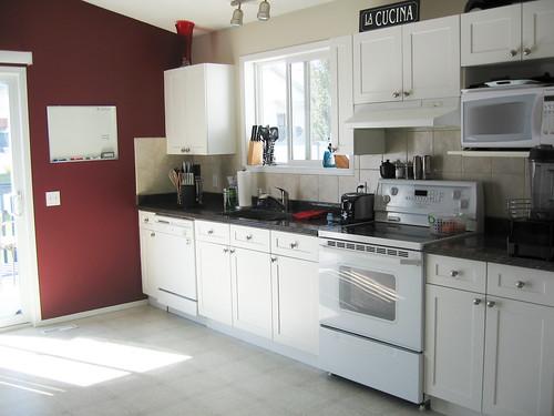 Kitchen before island reno