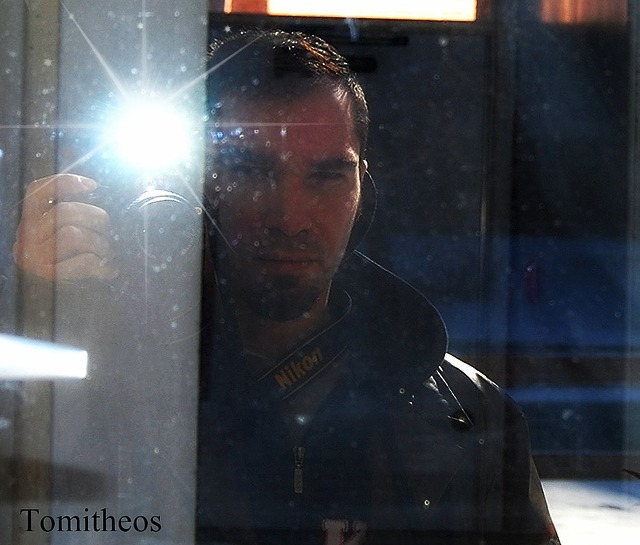Tomitheos Reflecting
