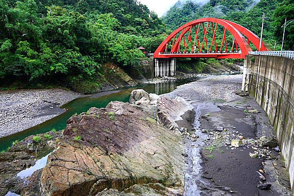 6J39南勢溪-紅河谷