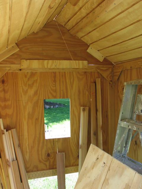 Chicken coop interior interior of the chicken coop for Chicken coop interior designs