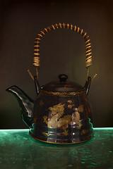 glass(0.0), iron(0.0), lighting(0.0), art(1.0), kettle(1.0), still life photography(1.0), teapot(1.0),