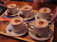 meal(0.0), ristretto(0.0), espresso(1.0), cappuccino(1.0), cup(1.0), flat white(1.0), mocaccino(1.0), caf㩠au lait(1.0), coffee(1.0), caff㨠macchiato(1.0), caff㨠americano(1.0), drink(1.0), caffeine(1.0),