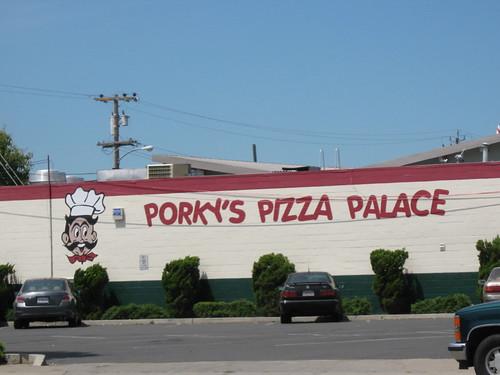 Round Table San Leandro Bayfair.Porky Pizza San Leandro Villa Mirage Resort Scottsdale