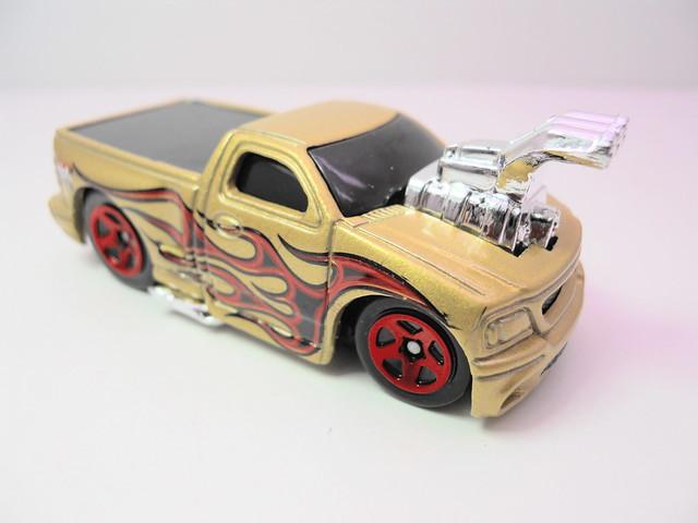Hot Wheels Valentine Gift Pack Ford Svt F150 Lightning