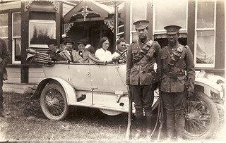 1912 Soldiers in front of an old car