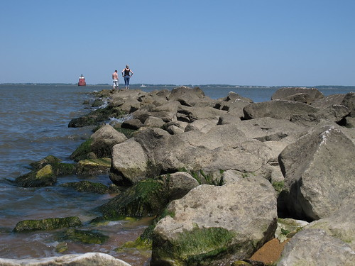 lighthouse beach water rocks maryland easternshore sandypoint