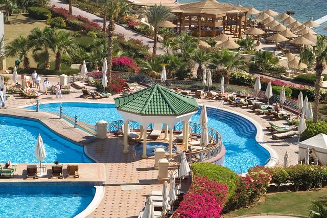 Hotel Hyatt Regency. Egypt. Swimming pool *  Отель Хайят Редженси Шарм-эль-Шейх. Бассейн