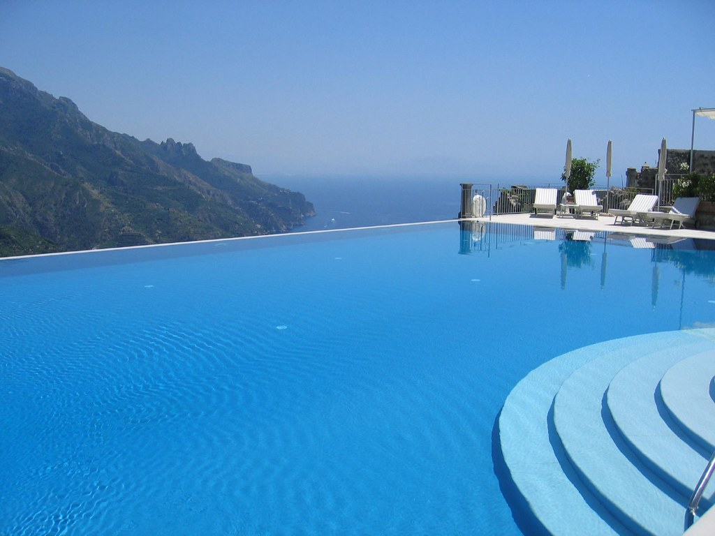 Infinity pool ravello italy a photo on flickriver for Hotels in ravello with swimming pool