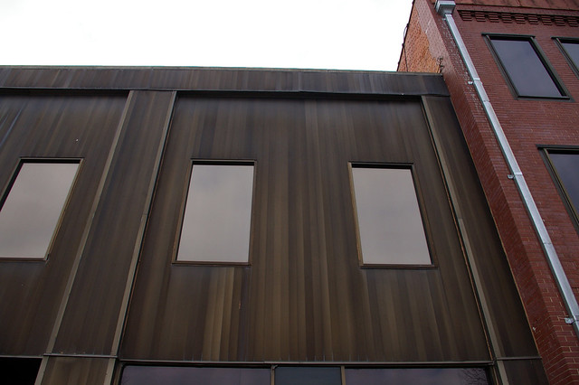 aluminum siding that looks like wood paneling point