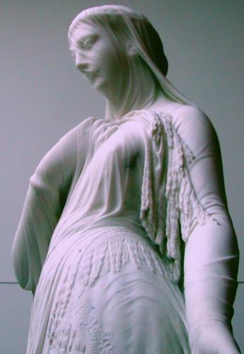 Вуали в скульптуре Vasily Sergeev