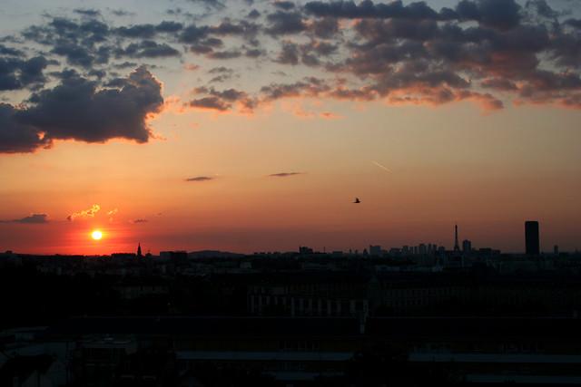 Coucher de soleil sur paris vue du kremlin bic tre flickr photo sharing - Coucher de soleil sur paris ...