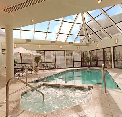 Hotels With Jacuzzi In Room In Crystal City Va