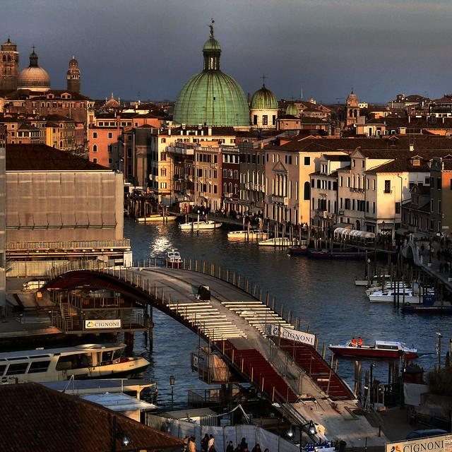 Santiago Calatrava's new bridge for Venice