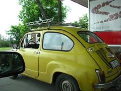 automobile(1.0), vehicle(1.0), fiat 600(1.0), city car(1.0), compact car(1.0), zastava 750(1.0), antique car(1.0), land vehicle(1.0), coupã©(1.0),