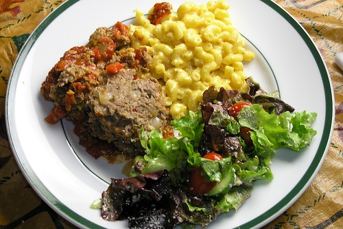 Italian Meatloaf with Macaroni and Cheese