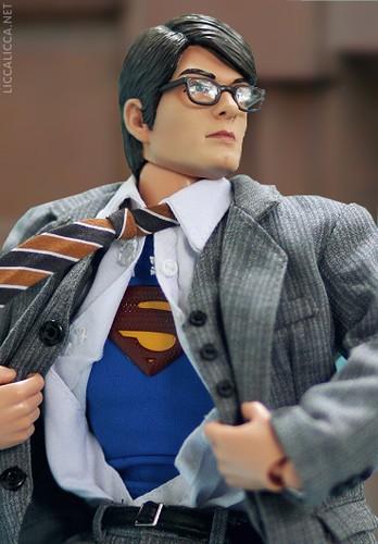 Hot Toys Clark Kent 82