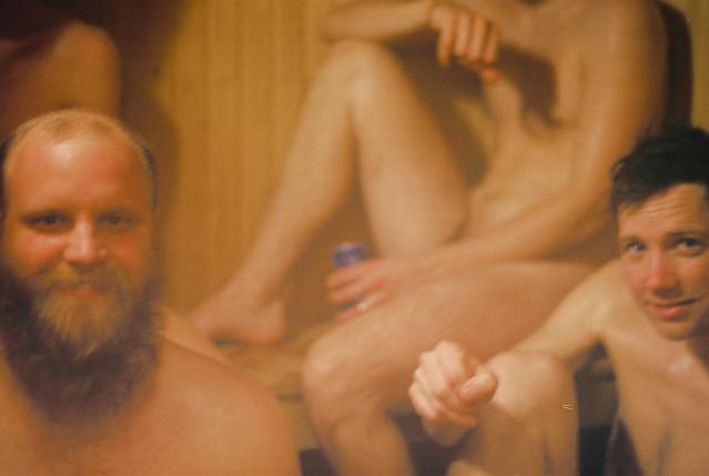 Desnudos en la sauna