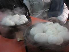 nikuman, siopao, cha siu bao, xiaolongbao, baozi, street food, momo, food, dish, cuisine,