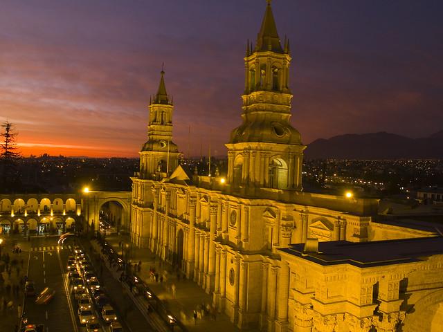 Arequipa Peru  City new picture : ... historia del diablo alado en la Catedral de Arequipa Pe Taringa