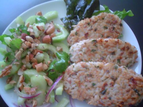 Croquetas de arroz y at n con ensalada de pepino - Ensalada de arroz y atun ...