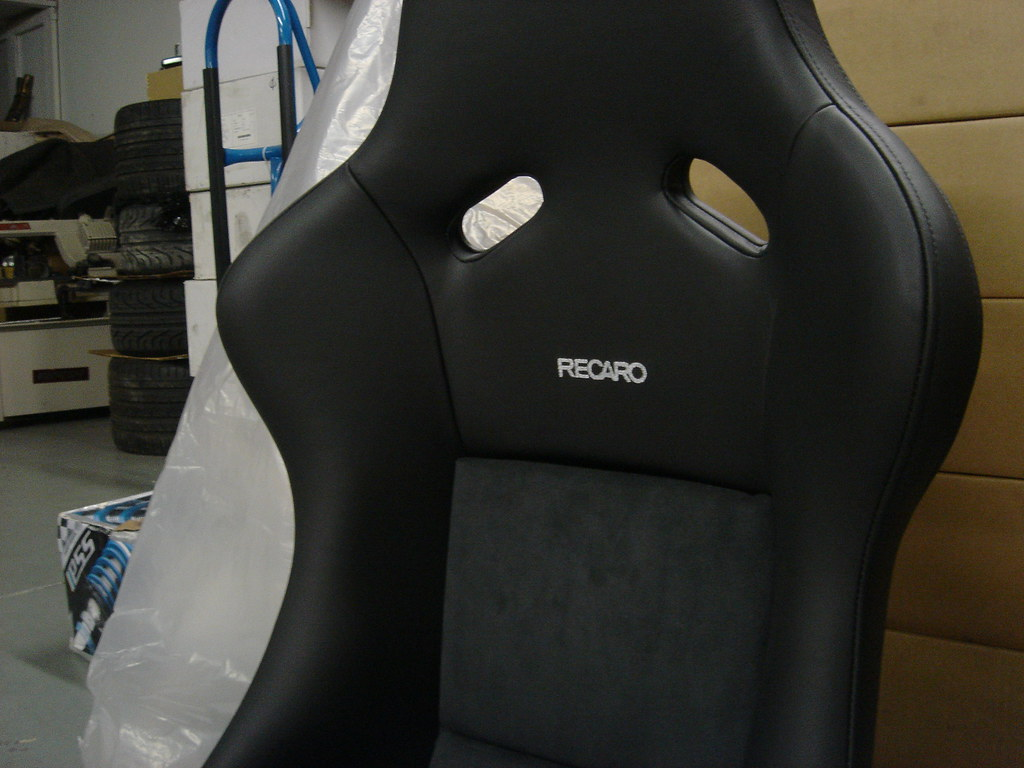 recaro pole position leather suede. Black Bedroom Furniture Sets. Home Design Ideas